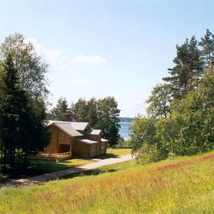Купить загородную недвижимость и создать мини отель