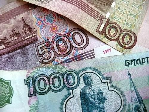 Летом российский рубль укрепится за