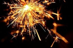 Продажа петард, фейерверков-салютов, бенгальских огней и хлопушек в Новый год